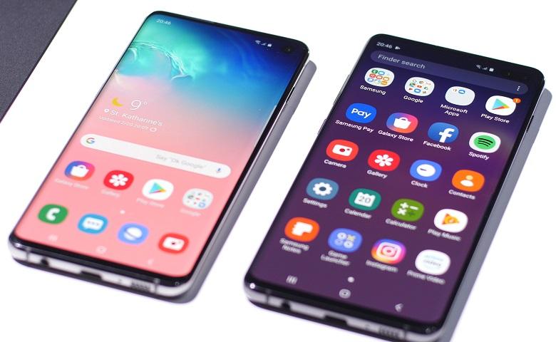 آغاز اضافهشدن اپلیکیشنهای گوگل به گلکسیاستور ،با فرا گیر شدن اندروید به عنوان یک سیستم عامل برای گوشی های هوشمند،هیجان و رقابت بین برند ها و شرکت های مختلف