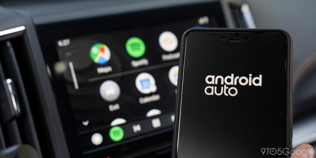 Android Auto برنامه هوشمند رانندگی  گوگل نرمافزاری شبیه به CarPlay اپل را برای اندروید طراحی داده است که بهنام اندروید اتو شناخته میشود و قابلیتهای متعددی به رانندگان ارائه میکند.